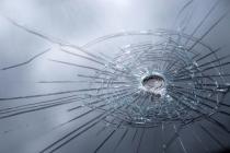 Kurşun geçirmez cam neden kırılmaz?