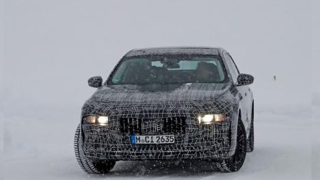 Yeni BMW 7 serisinin fotoğrafları sızdırıldı