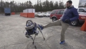 Tekme Attığımız O Robot…