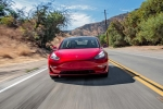 Elon Musk: Model 3'ü satmamaya çalışıyoruz!