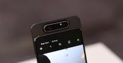 Galaxy A80, ön kamera ile arka kamerayı eşitliyor!