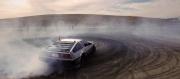 Elektrikli ve sürücüsüz DeLorean artık drift yapabiliyor!