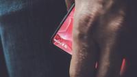 Andy Rubin çerçevesiz telefonunu tanıttı!