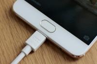 Apple çabuk yıpranan şarj kablosuna çözüm getiriyor