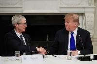 Çin'e nispet: Trump, Apple fabrikasını gezecek