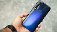 Motorola 3 model ile şov yapacak