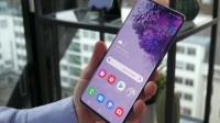 Samsung 5G telefonlar için özel OLED ekranını tanıttı