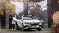 Mercedes uygun fiyatlı elektrikli otomobilini tanıttı