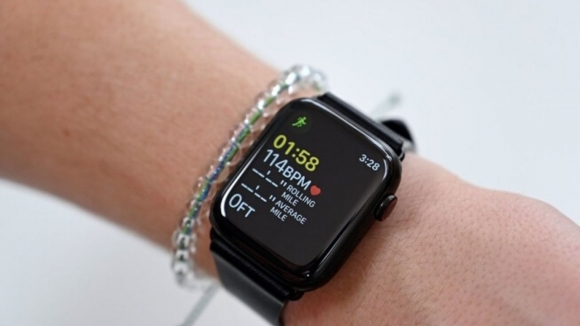Apple Watch bir hastalığın erken teşhisini sağladı!