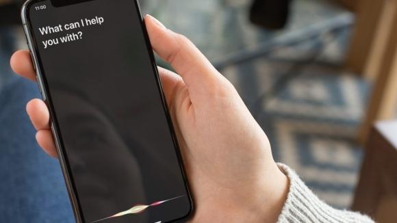 iPhone'da Siri ile nasıl yazılı mesaj gönderilir?