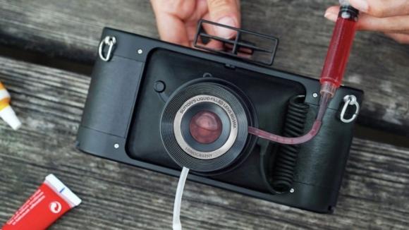 Lomography Instagram filtrelerini lenslere taşıyor