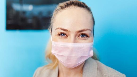 Çift maske takmak virüsün etkilerini azaltıyor mu?
